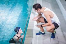 nadar correctamente evita el dolor de cuello